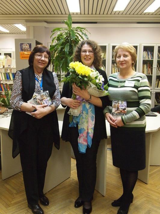 В библиотеке №214 им. Ю. Гагарина состоялось выступление «королевы детектива» Александры Марининой