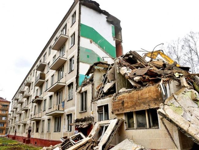 В Западном округе осталось снести 26 пятиэтажек первого периода индустриального домостроения