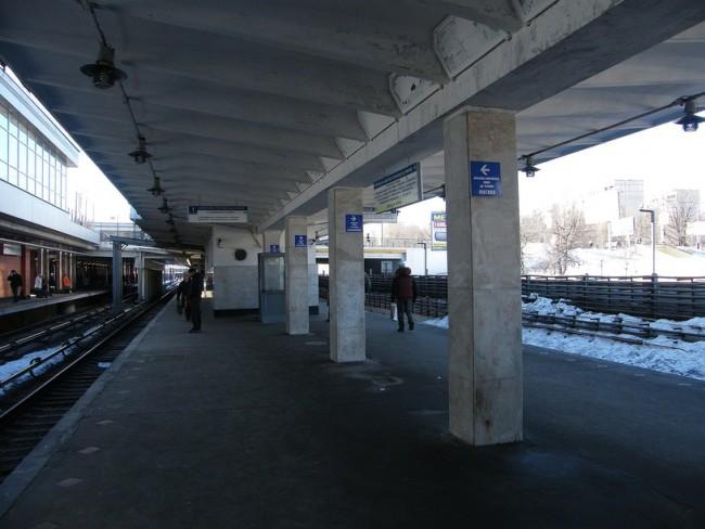 Часть платформы станции метро «Кунцевская» закрыта на реконструкцию