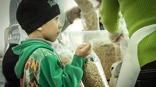 К Новому году продуктовую помощь получат порядка 20 тысяч нуждающихся людей