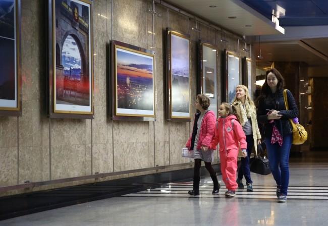 На станции «Выставочная» открылась фотовыставка «#СеверныйКавказ_7историй»