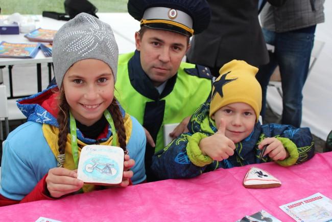 Сотрудники Госавтоинспекции ЗАО Москвы приняли участие в полумарафоне «Моя столица»