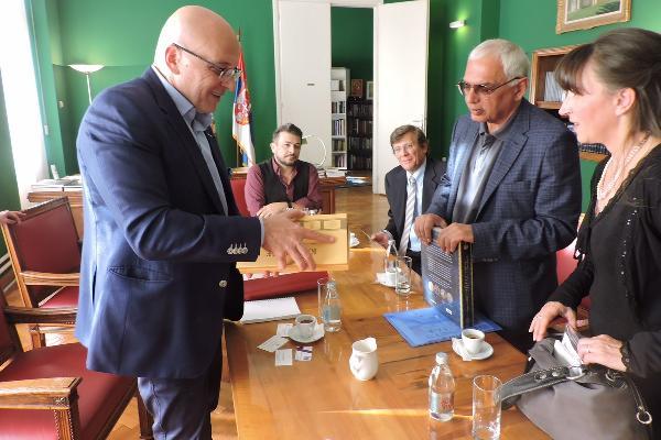 Министр культуры Сербии посетил премьеру «Анны Карениной»