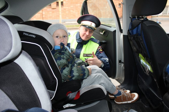 Сотрудники Госавтоинспекции ЗАО проведут рейд по выявлению нарушений правил перевозки детей