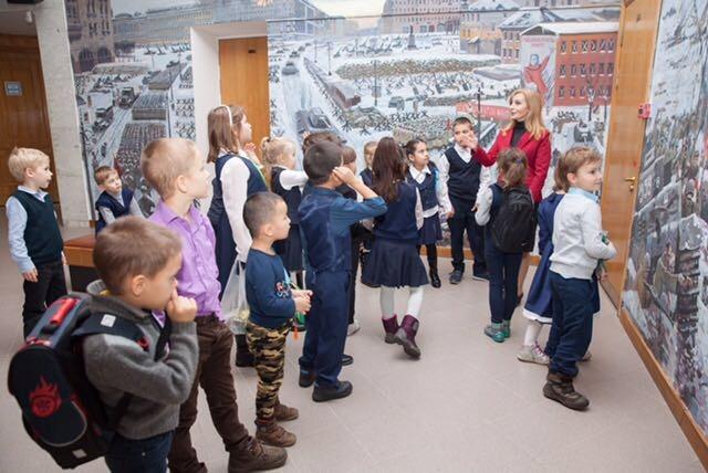 Общественный совет и сотрудники УВД по ЗАО организовали экскурсию для школьников в Музей Победы