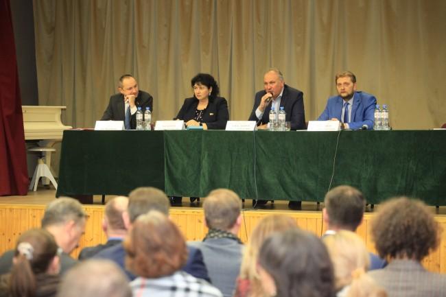 Префект ЗАО Алексей Александров встретился с жителями округа