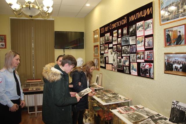 Воспитанники Школы № 814 в Ново-Переделкино в гостях у ЛО МВД России