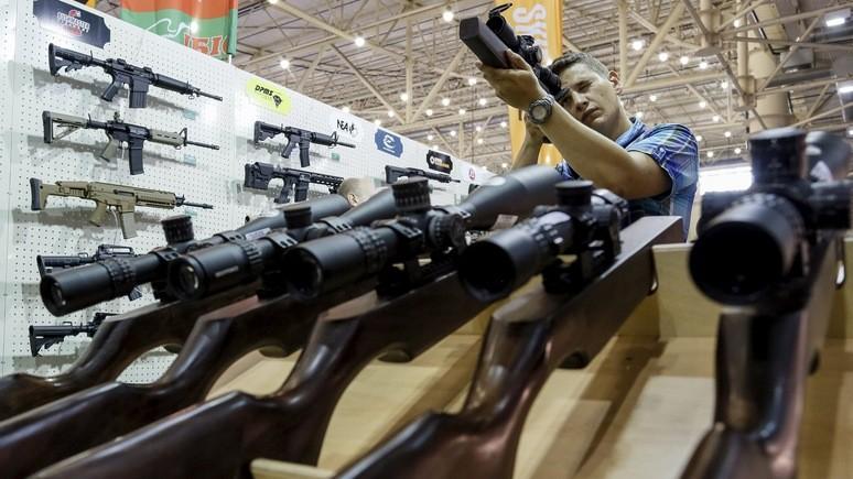 Военный прокурор: каждый украинец должен иметь оружие для самозащиты