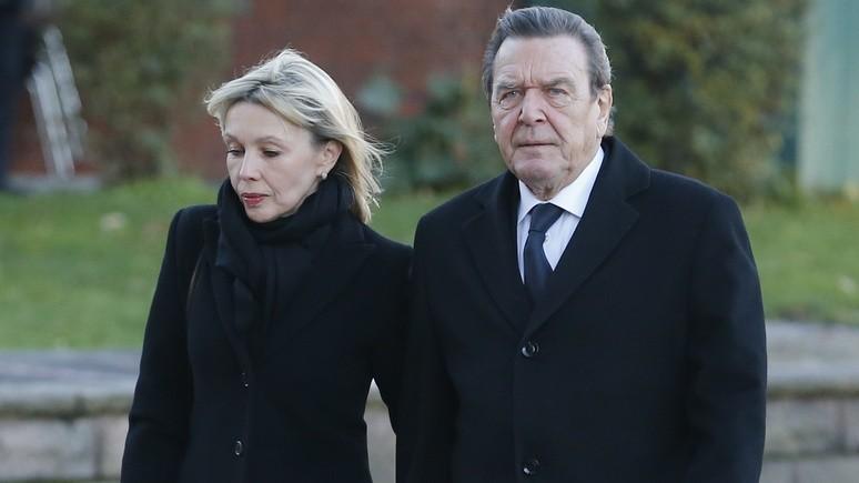 Супруга Шрёдера: душу экс-канцлер не продавал — просто очень дорожит дружбой с Россией