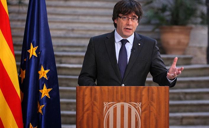 Пучдемон призвал Каталонию к «демократическому сопротивлению» Мадриду