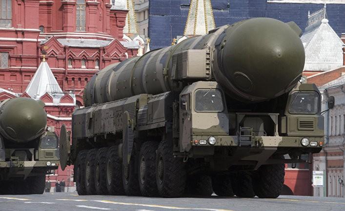 Запад слишком сюсюкается с Россией