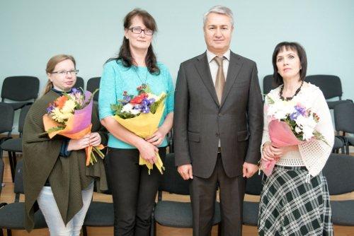 Рахим Азимов поздравил педагогов Зуевки с Днем учителя