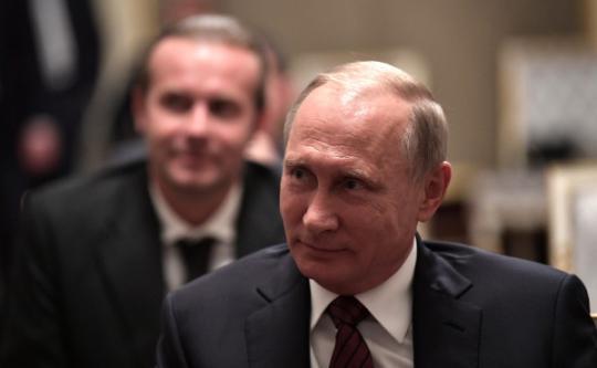 Путин ответил анекдотом на вопрос об участии в выборах президента