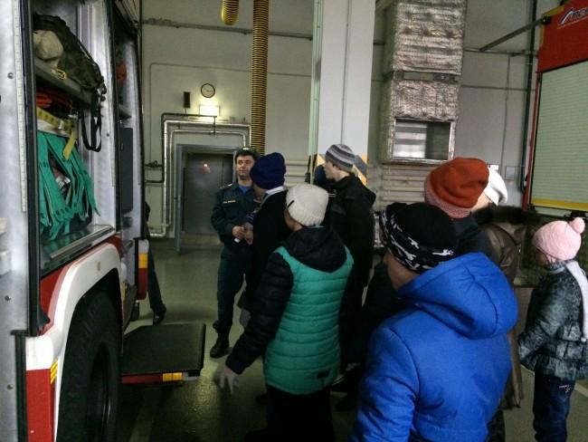 Посетители Центра содействия семейному воспитанию «Сколковский» побывали в гостях у пожарных