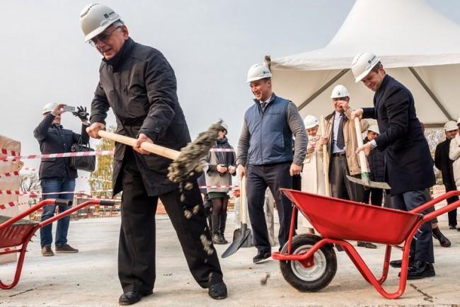 На «Мосфильме» начали строительство с торжественной церемонии