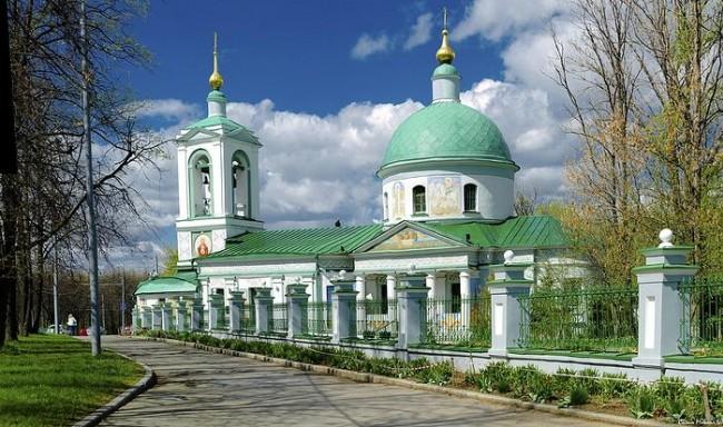 При Храме Живоначальной Троицы на Воробьевых горах организована служба консультирования