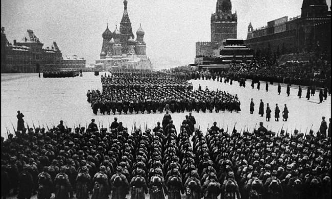 7 ноября в Музее победы откроется выставка военных парадов