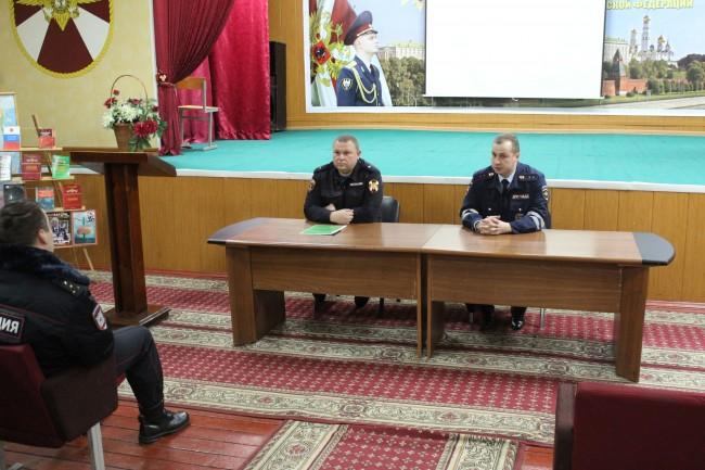 Во время акции «ГИБДД в защиту детей» сотрудники ГИБДД ЗАО посетили войсковую часть № 5126