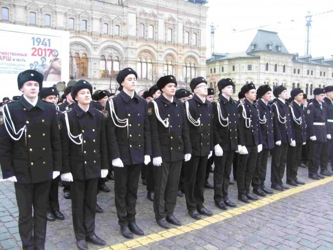 Кадеты Навигацкой приняли участие в марше в честь 76-й годовщины военного парада 1941 года