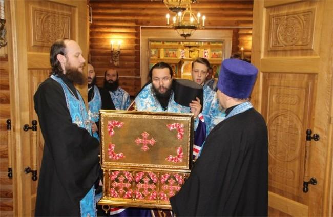 Ковчег с мощами Новомучеников и Исповедников Церкви Русской побывал в храме Знамения в Кунцеве