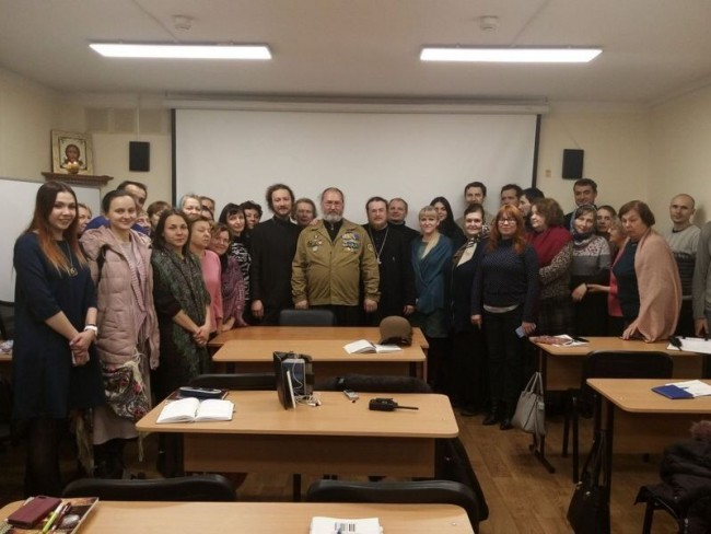 В храме Знамения Божией Матери в Кунцеве прошла встреча иерея Николая Кравченко с прихожанами