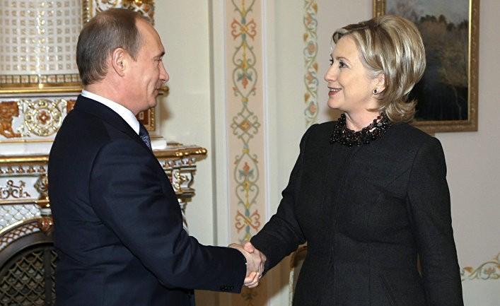 Досье на Трампа связало Клинтон с Путиным