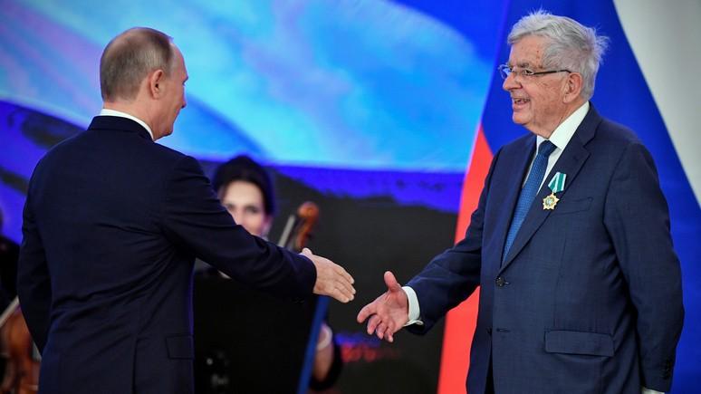 Le Figaro: Путин наградил орденом Дружбы cпецпредставителя Франции по отношениям с Россией