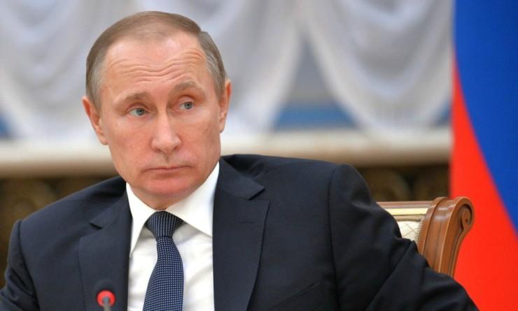 Stratfor: Кремль угрожает взять под защиту региональных лидеров