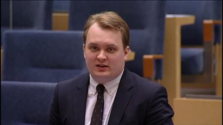 Local: шведского депутата выдворяют из партии за поездку в Россию и сексуальные домогательства