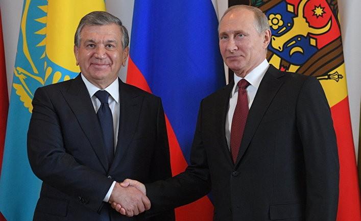 Узбекистан балансирует между сверхдержавами