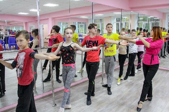 В День народного единства Котельничский дом культуры встретил гостей в новом облике