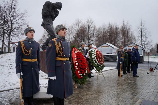 На Поклонной горе почтили память неизвестных солдат