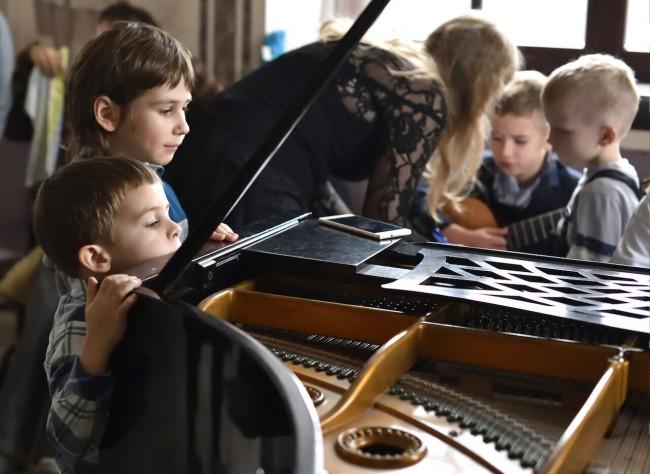 В храме Александра Невского состоялся первый детский музыкальный концерт
