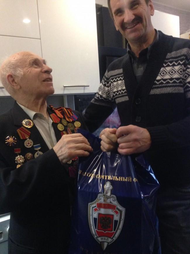 Совет ветеранов УВД по ЗАО посетил ветеранов ОВД