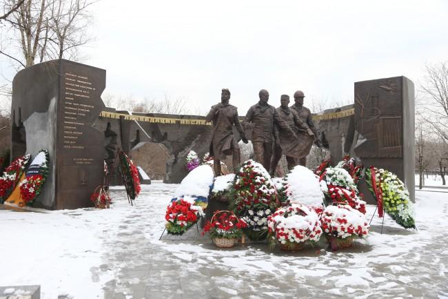 Монумент чернобыльцам