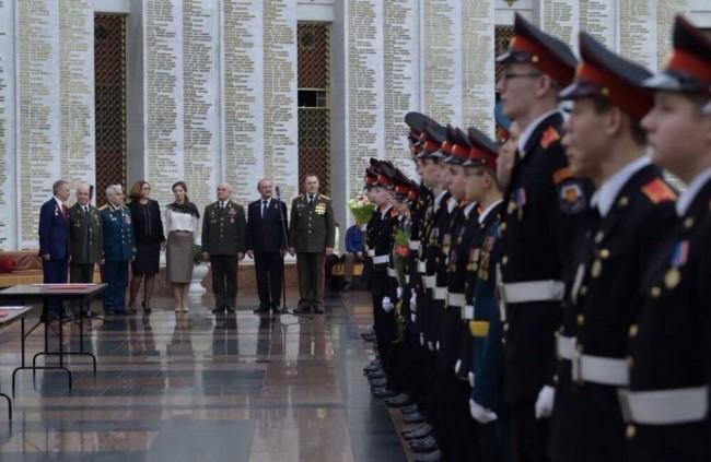 Детский омбудсмен Анна Кузнецова приняла участие в торжественной церемонии посвящения в кадеты