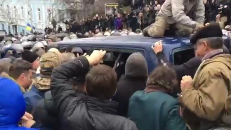 СТРАНА.ua: сторонники Саакашвили отбили политика у СБУ