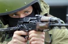 Из грязи в цель: западные СМИ назвали разницу между АК-47 и М16