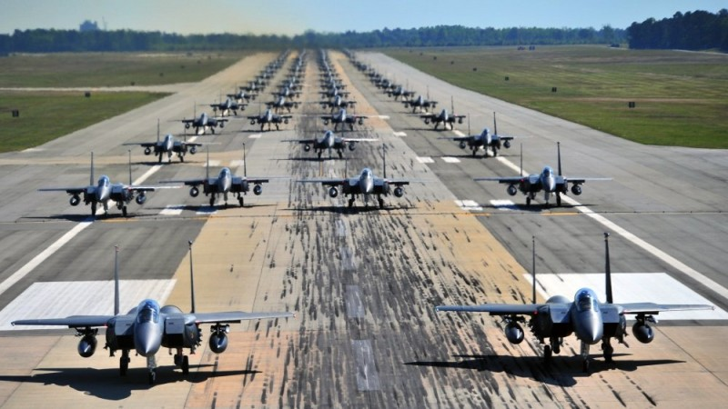 Российский Су-35 vs американский F-15C: в США заявили об утрате превосходства