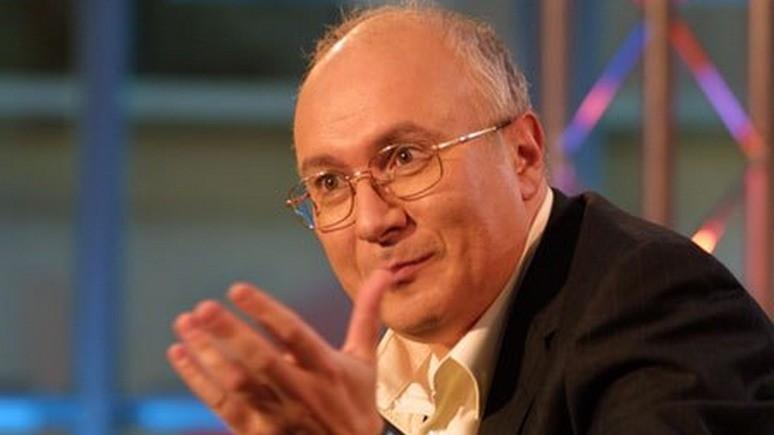 Журналист Ганапольский похвастался красивым украинским паспортом