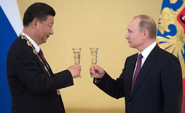 Две державы бросят вызов США?